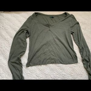 Green Wild Fable Large Cropped Long Sleeve
